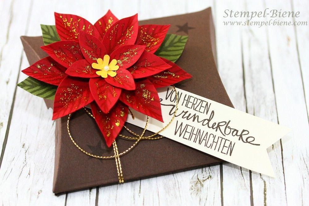Pillow Box Basteln weihnachtliche pillowbox mit festlicher blüte