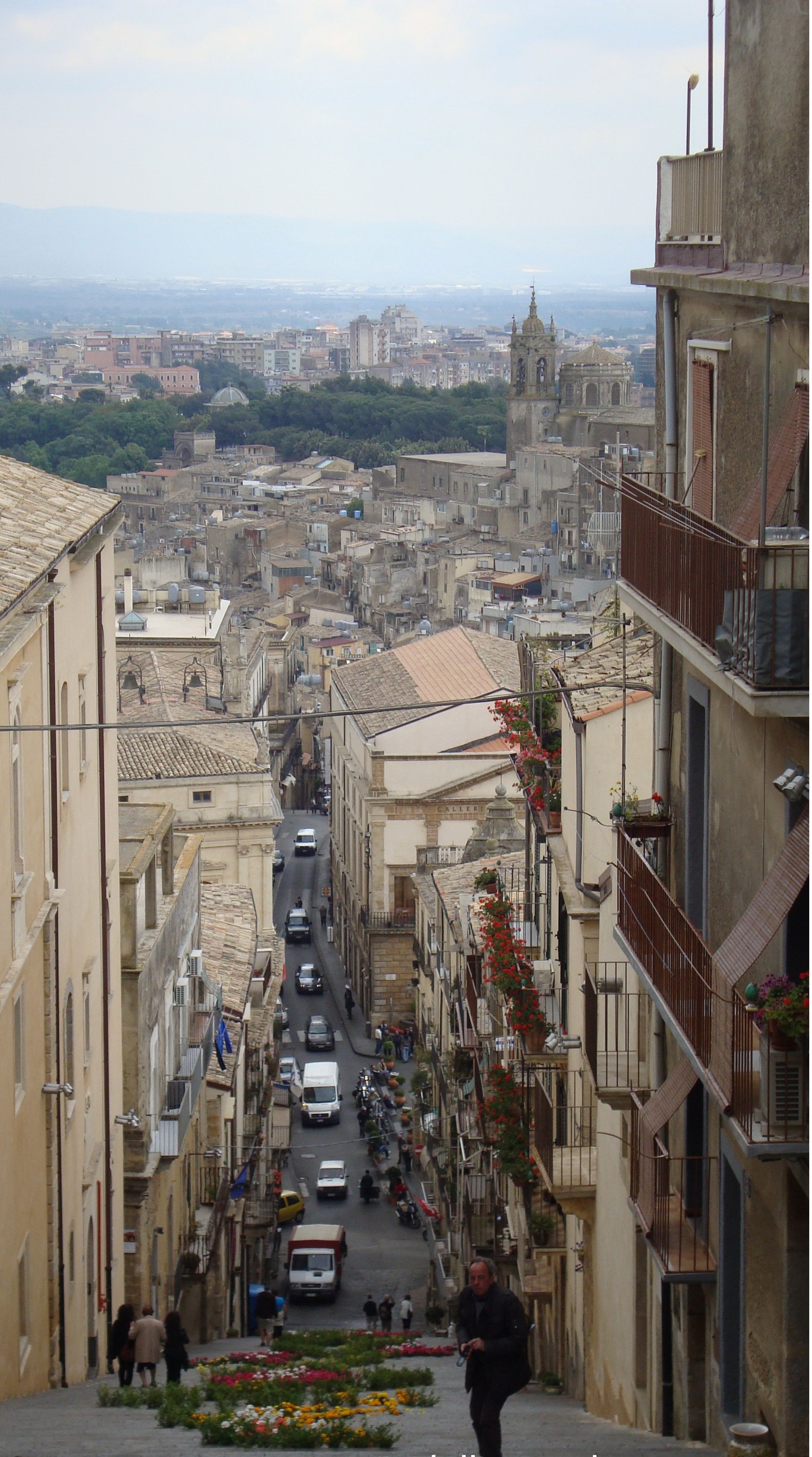 Caltagirone | Sicilia italia, Sicilia, Italia