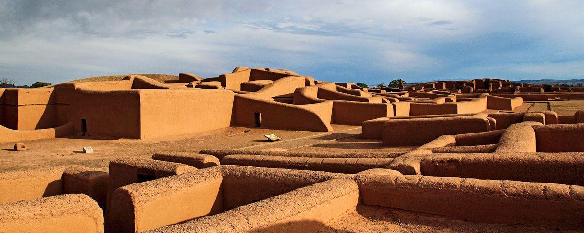 Tips para viajar a Paquimé en Chihuahua. Te contamos más acerca de Paquimé, la ciudad prehispánica más importante del norte de México. Toma nota de estos tips para tu siguiente escapada a Chihuahua.