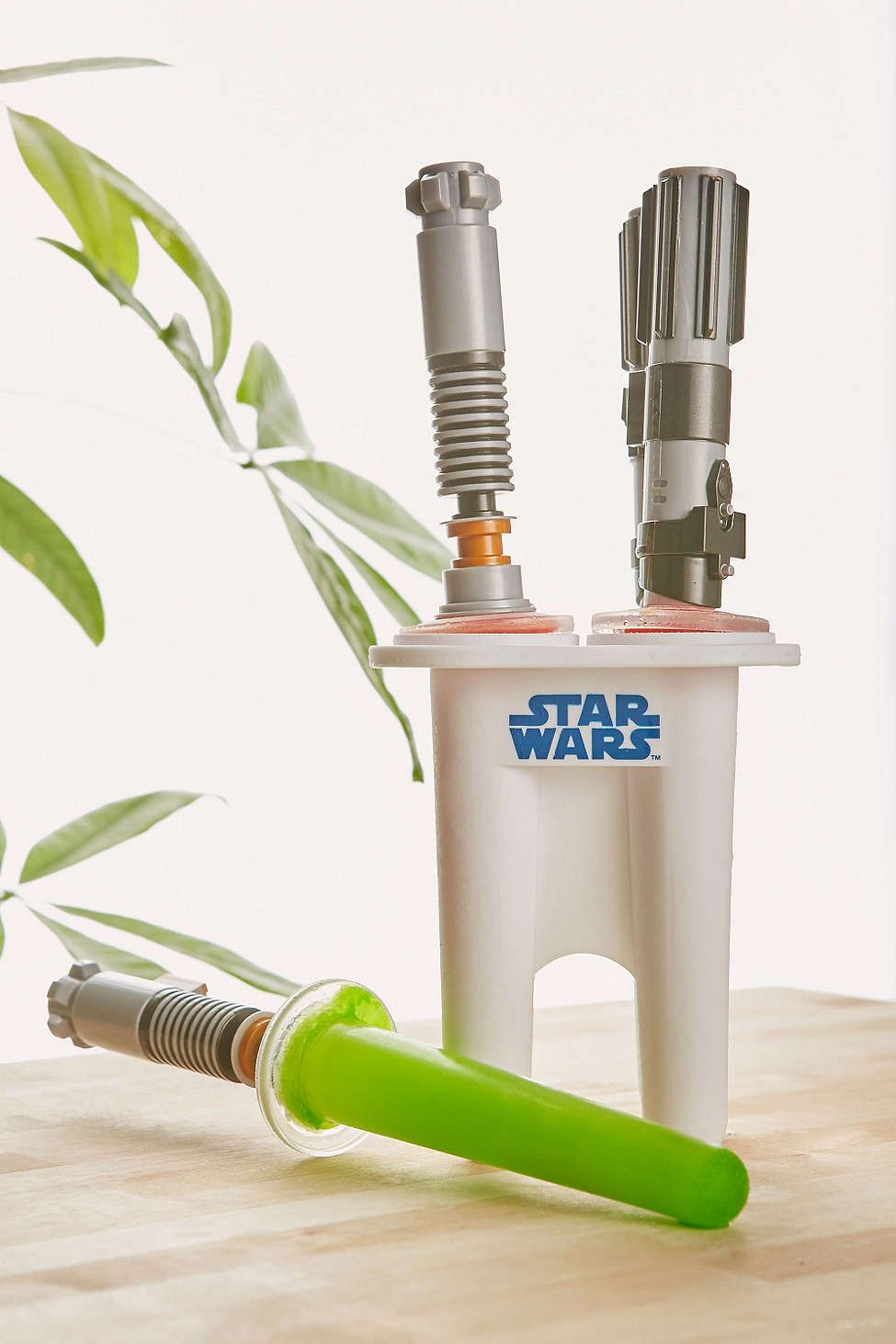 Star Wars Küchenutensilien Star Wars Light Saber Ice Pops They Light Up The Hottest