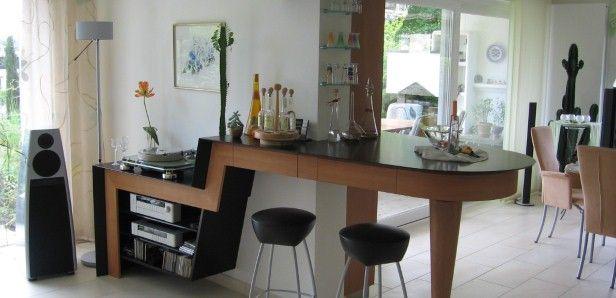 Raumteiler als Theke, Phonomöbel und Vitrine | Home: Küche ...