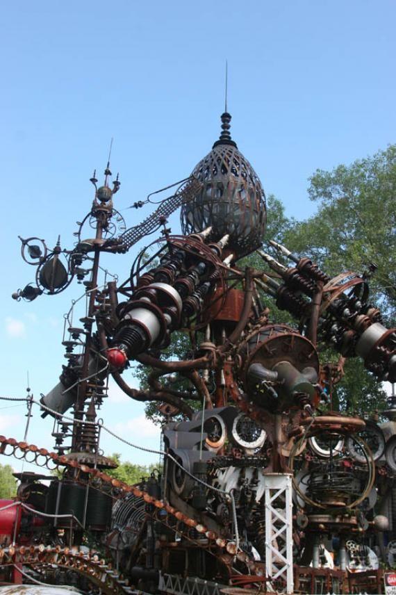 Dr Evermor S Forevertron Scrap Metal Art Outsider Art Sculpture Art