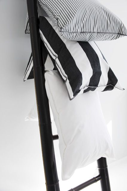 bedroom ladder + pillows | mi casa