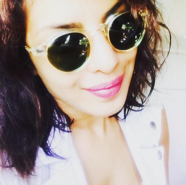 #PriyankaChopra, we are loving the glasses!