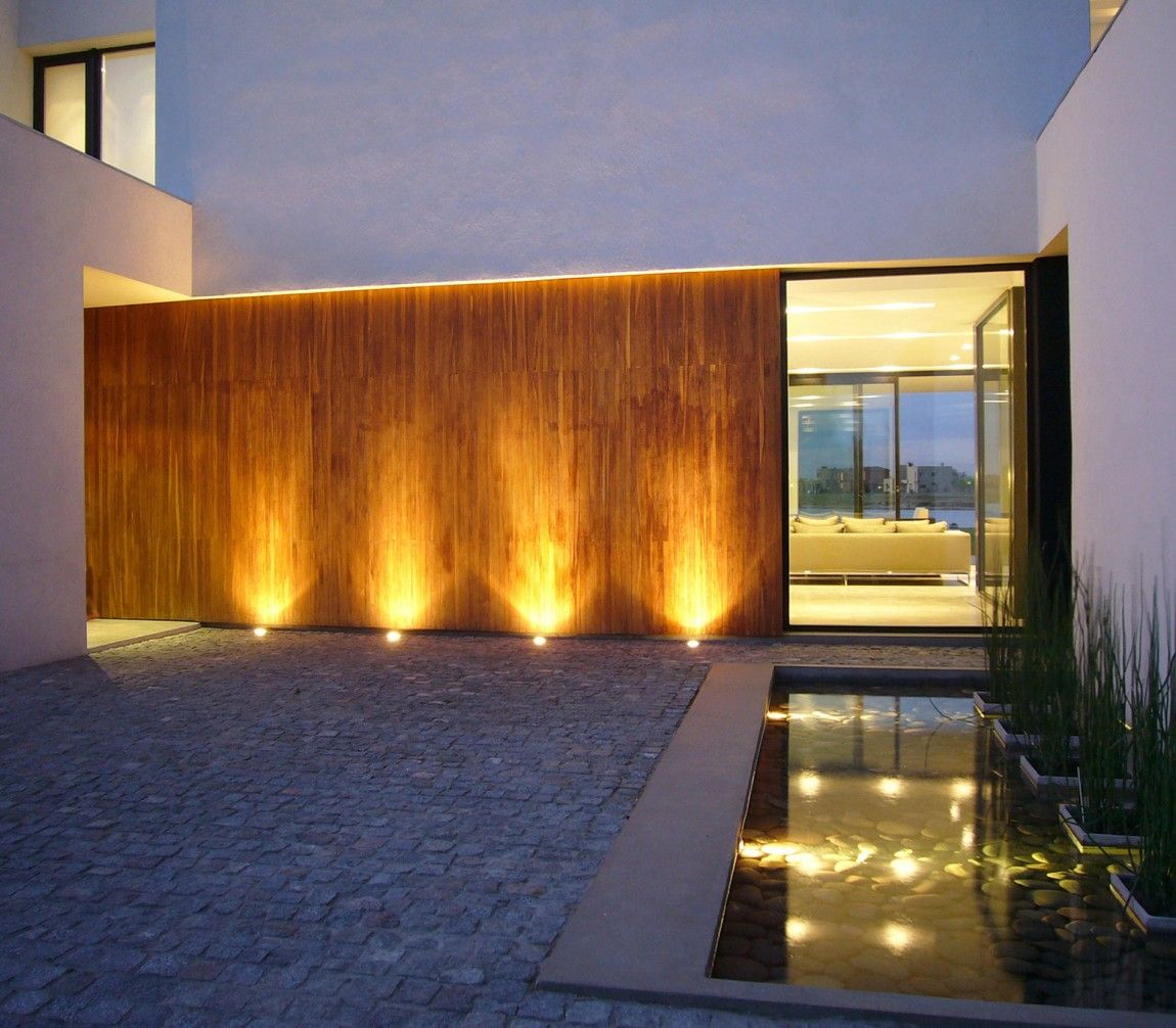 Exterior Uplighting Against Blank Wall Submerged Pool Lighting Casa Br In