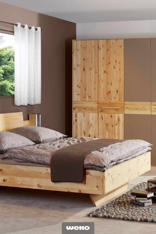Doppelbett aus Zirbenholz Im Schlafbereich die