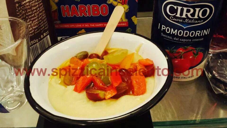 Rivisitazione di un classico salentino purè di fave con dadolata di #pomodori #peperoni #uva @ciriopassion  #FGDbari #frulez