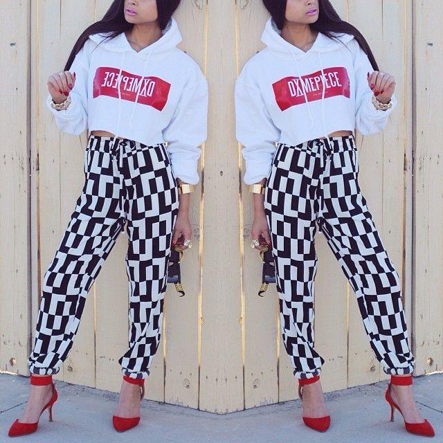 $TAY A DIME . | @DimePiece LA cropped sweatshirt(via @knyew) & bottoms from @ShopAKIRA.com - @Jaennelle Vergonio- #webstagram