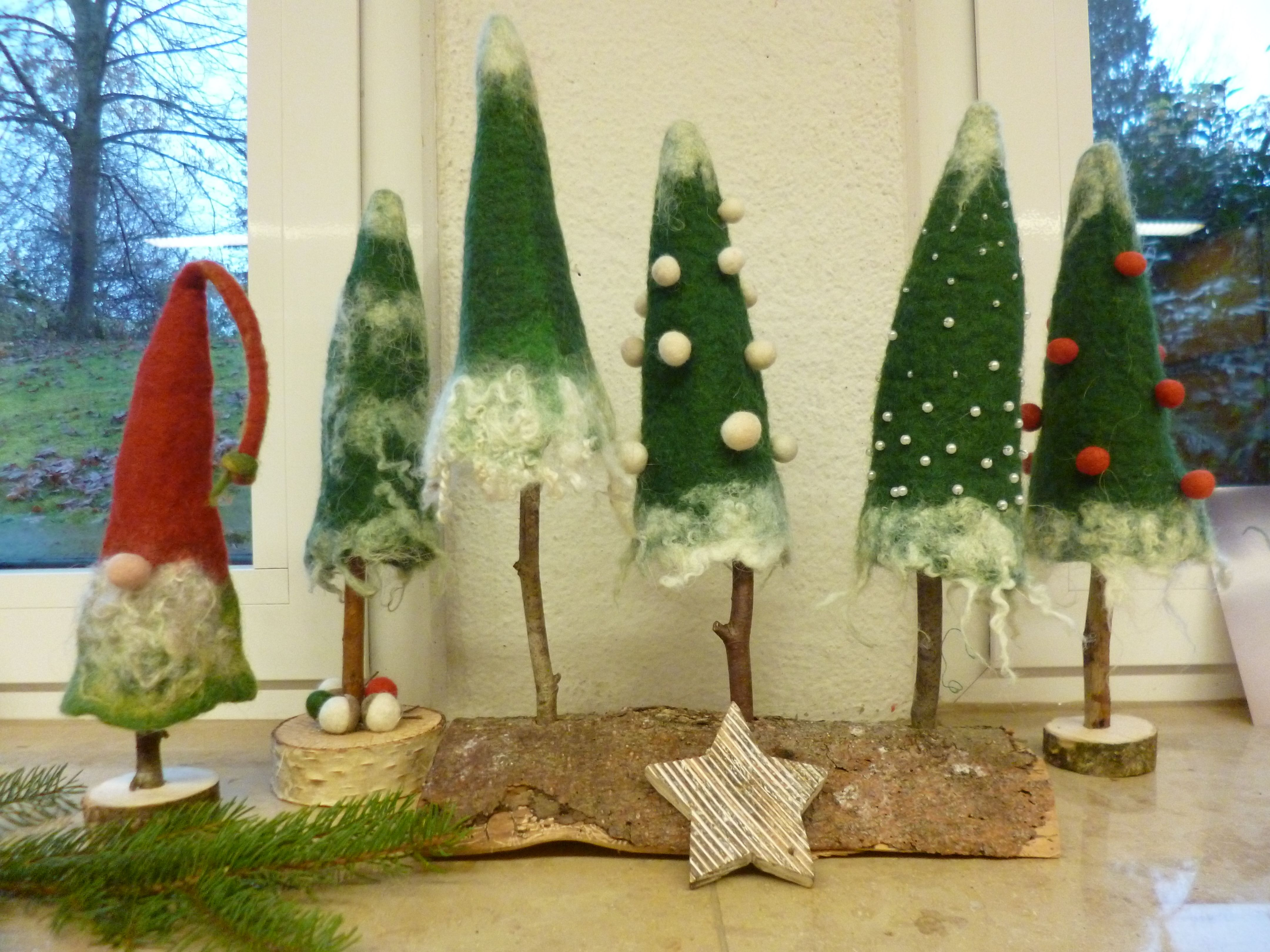 filztannen ume und wichtel weihnachten filzen weihnachtlich filzen und filzen mit kindern. Black Bedroom Furniture Sets. Home Design Ideas