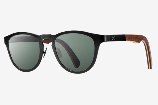 Shwood | Fifty/Fifty Eyewear quando il legno sposa il titanio