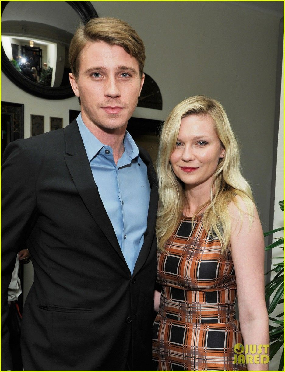 Kirsten Dunst & Garrett Hedlund: Pre-Golden Globes Party! | kirsten dunst garrett hedlund pre golden globes party 04 - Photo