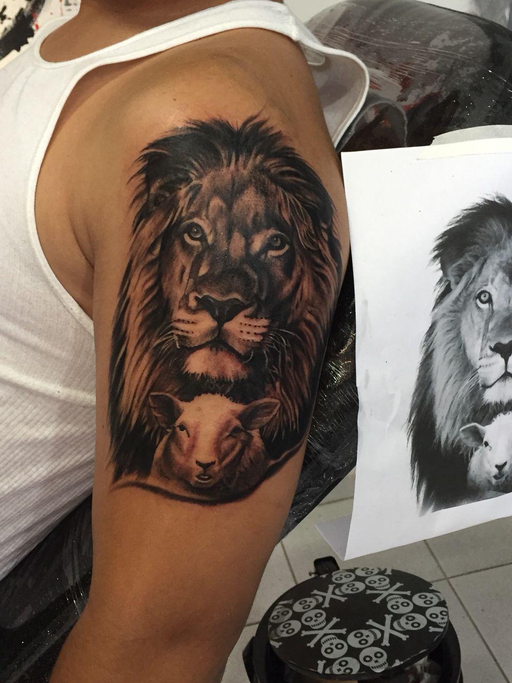 Christian Tattoo Lion And Lamb Tattoo Tattoos Christian Tattoos