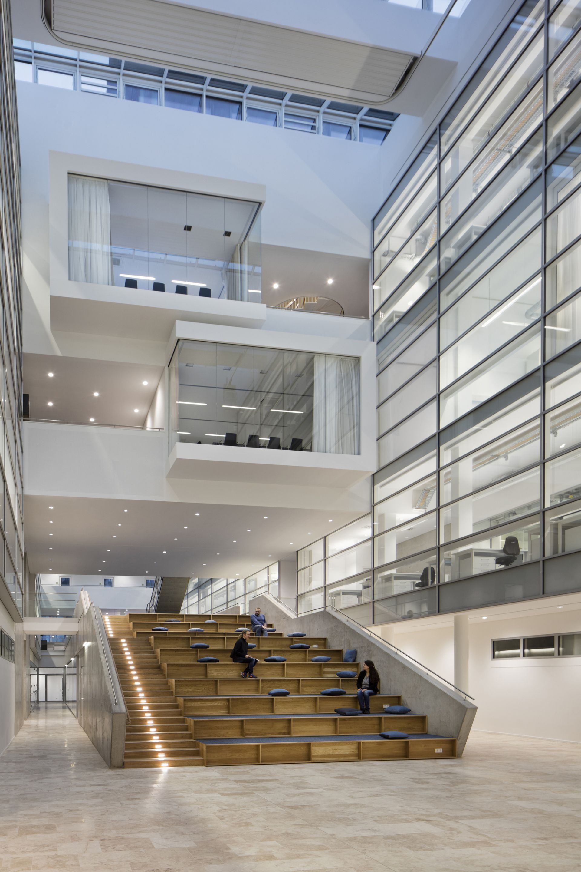 Center of brain behavior and metabolism in germany architects hammeskrause architekten - Architecture moderne residentielle schmidt lepper ...