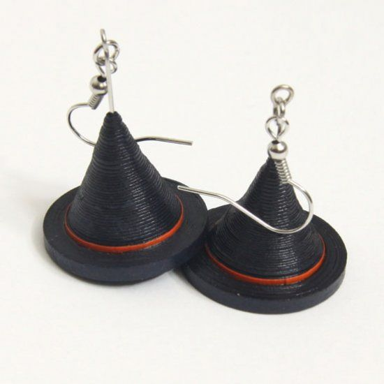 Learn how to make these awesome witch hat earrings with the art of paper quilling. Step by step tutorial