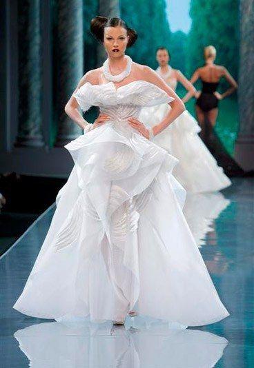 Pin By Radenka Korjenic On Wedding Dress Wedding Dress Couture Wedding Dresses Vintage Princess Haute Couture Wedding Dress
