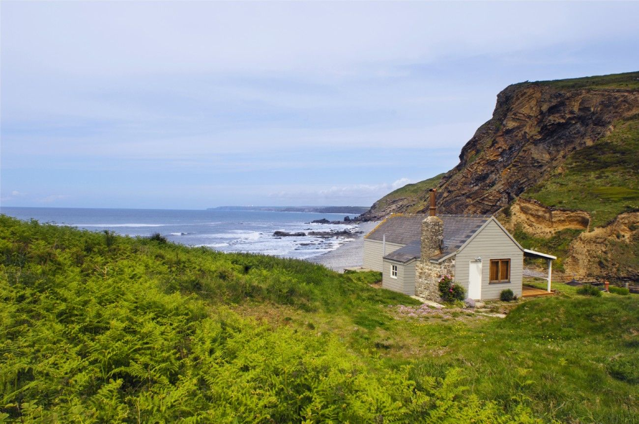 Sensational The Beach Hut In North Cornwall Places I Must Stay Download Free Architecture Designs Terstmadebymaigaardcom