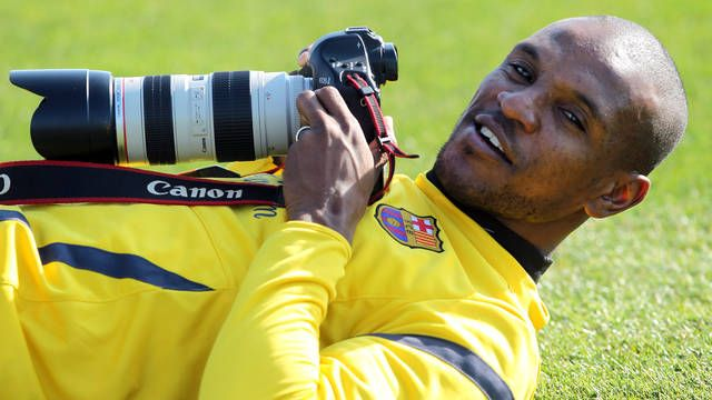 Abidal: Great soccer player and photographer :D
