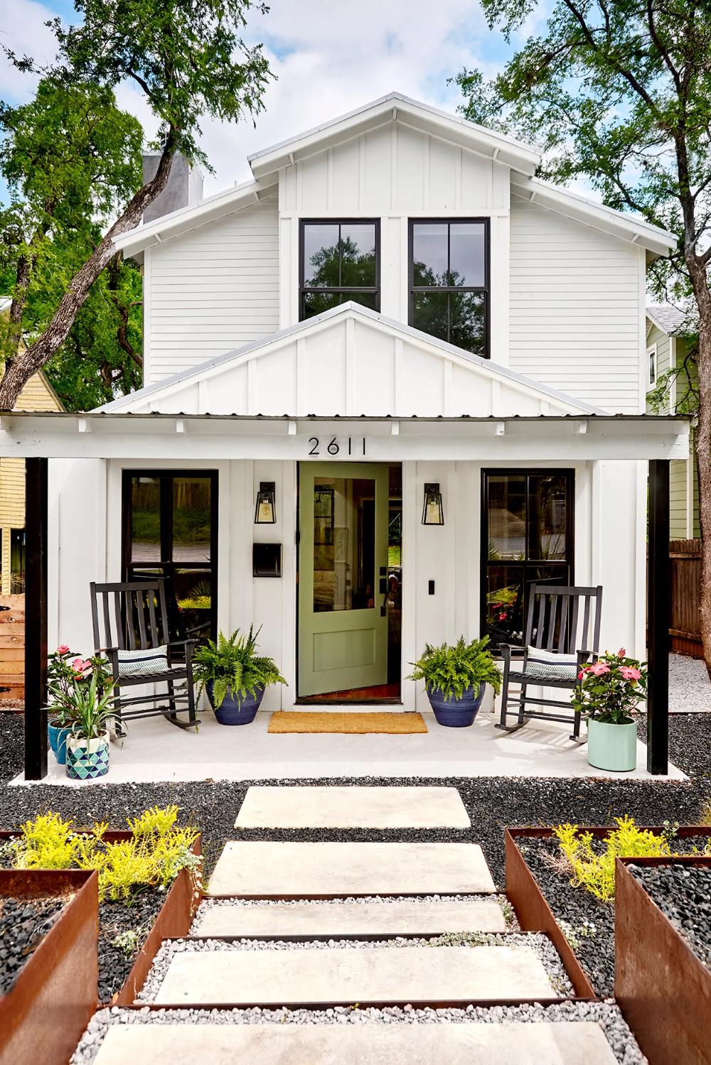 Our Favorite Farmhouse Exteriors