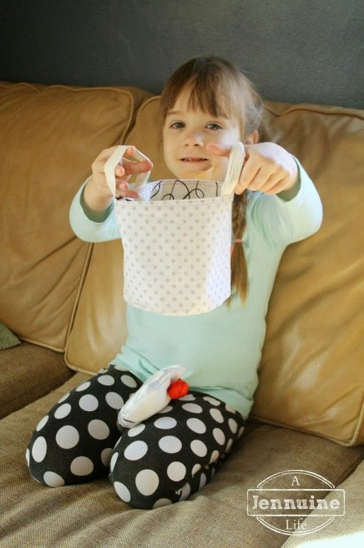 Tiny Sewists: Teaching Kids to Sew :: Lesson 11, Project 3 - A Jennuine Life