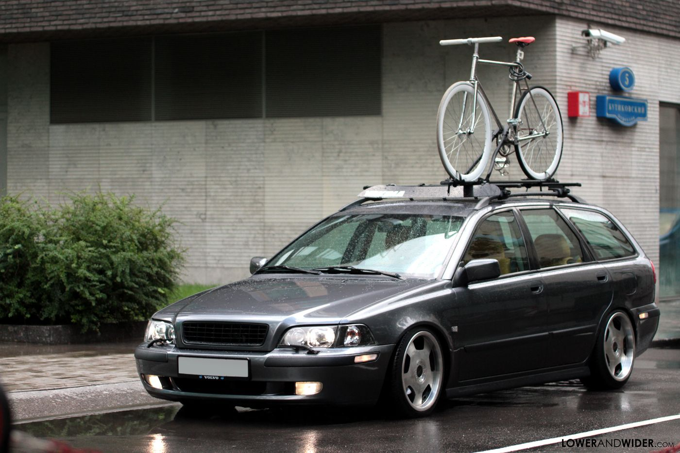 Modified 2004 volvo v40
