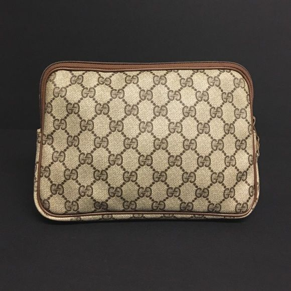 2d3b3c78f31e4 Authentic GUCCI Vintage Pouch Cosmetic Bag Clutch Vintage Gucci make ...