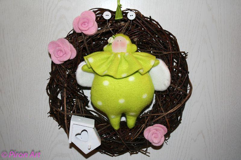 ♥ Türkranz  mit Käfer   grün weiß-gepunkt. ♥ von Piron-Art auf DaWanda.com