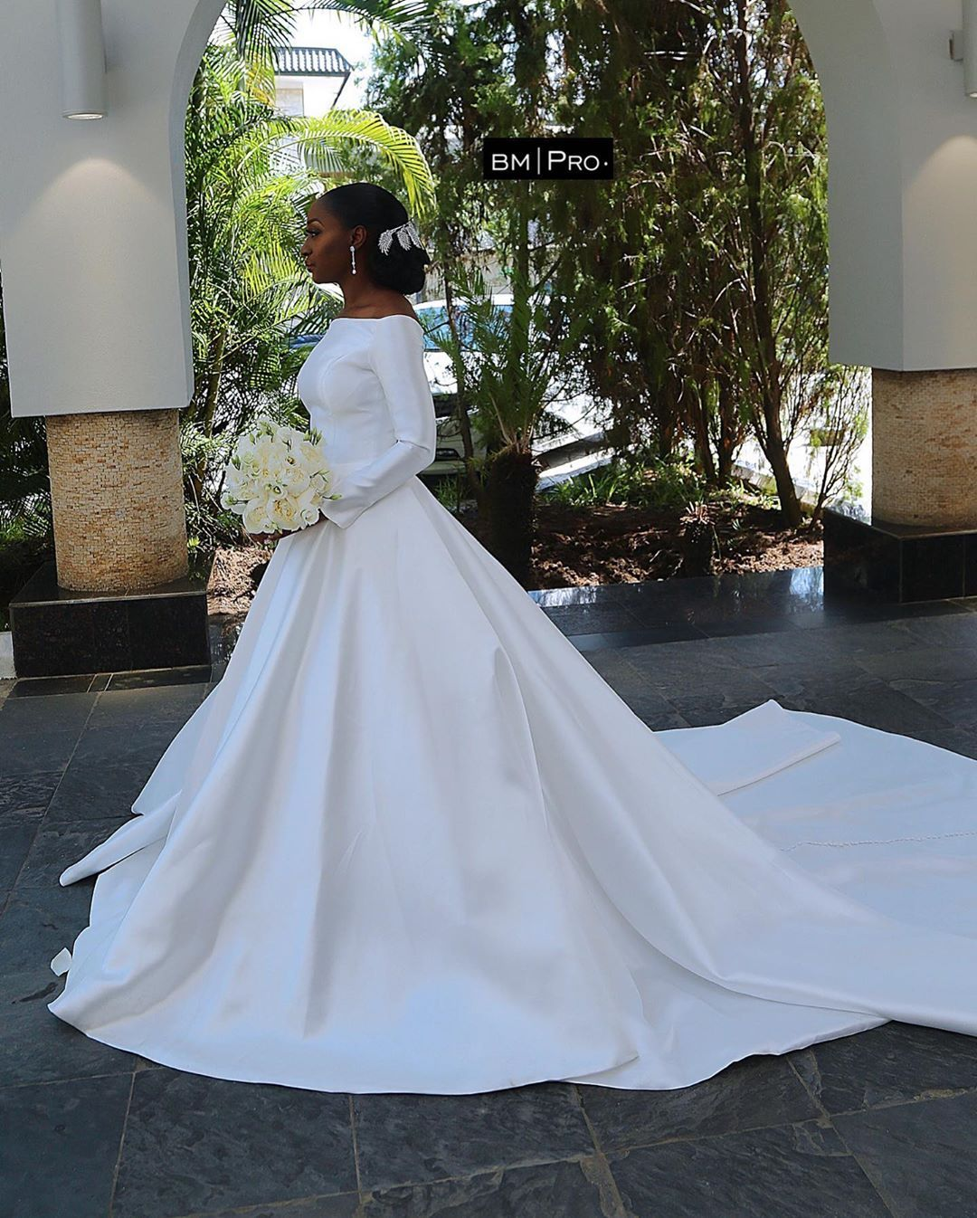 Ayowande And Niyi S White Wedding Was Completely Classy African Wedding Dress Bridal Gowns Black Wedding Dresses [ 1346 x 1080 Pixel ]