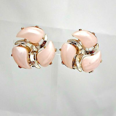 Thermoset-earrings-pink-pinwheel-clip-on-pale-pink-vtg