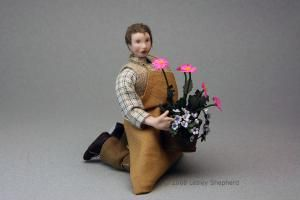 How to Sculpt Poseable Miniature Dolls: How to Choose a Doll House Doll
