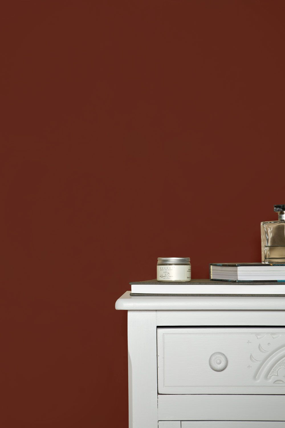 Farrow And Ball Bordeaux colours | eating room red | farrow & ball | red feature wall