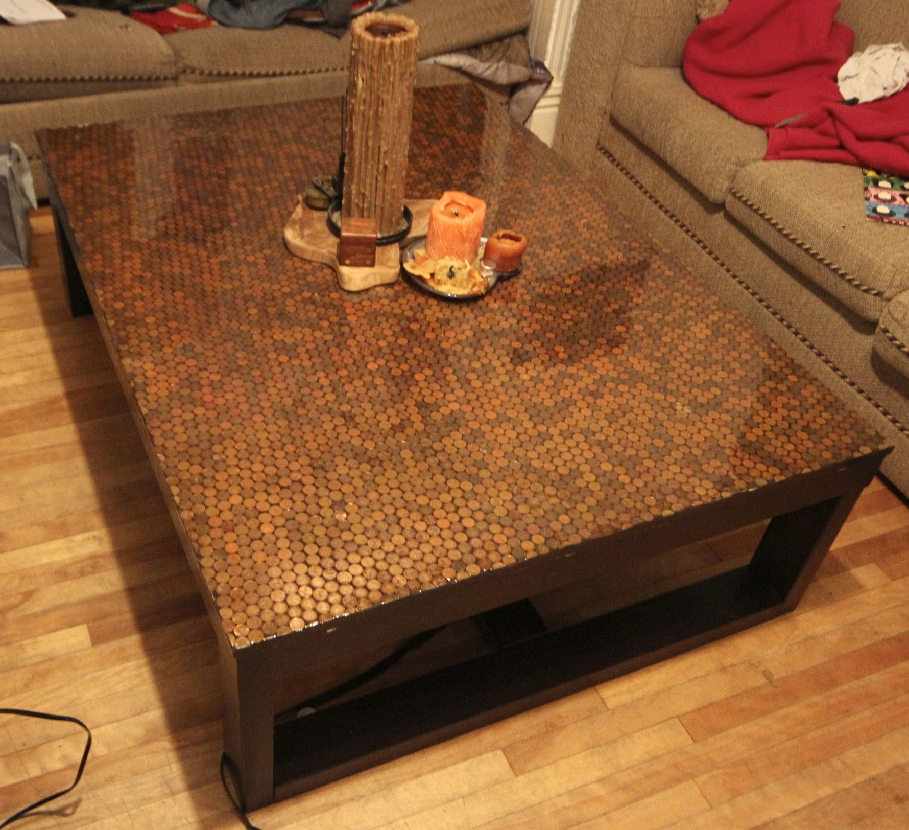 I Covered My Coffee Table With 4500 Pennies It Took About 25