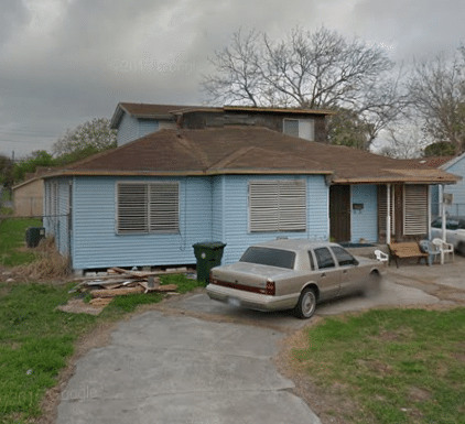 Investors, landlords…buy & hold. Renters in place in this ridiculously under priced  4 bed/2 bath house. Great payment history.  City assessed at 120K   https://fulldisclosurebuyer.oncarrot.com/property/1265/