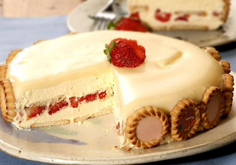 http://goo.gl/T0ZJK4  Torta Holandesa de Morango com Chocolate Branco confira essa receita na integra,  faça para seus convidados e clientes, eles vão adorar essa novidade.