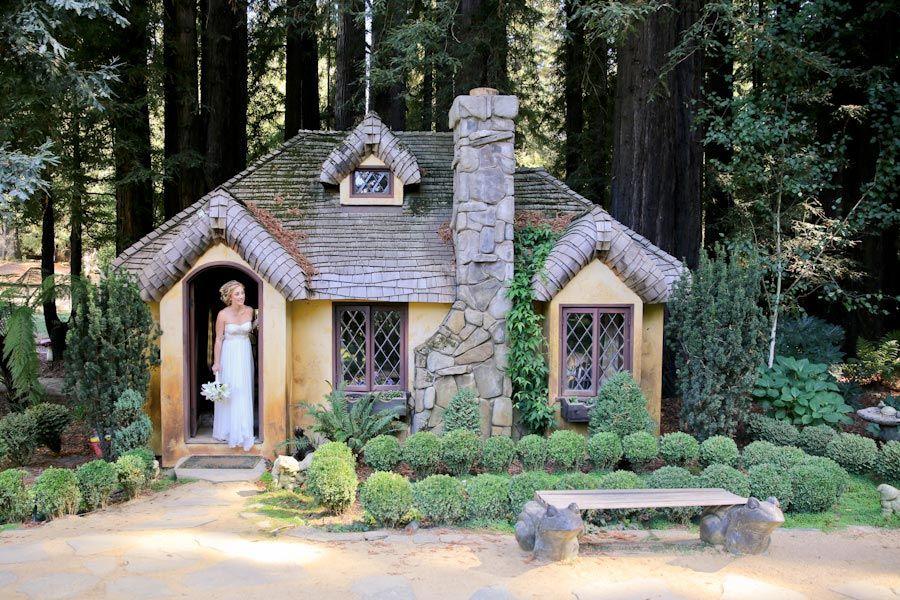 bride cottage little house cute portrait wedding day laura