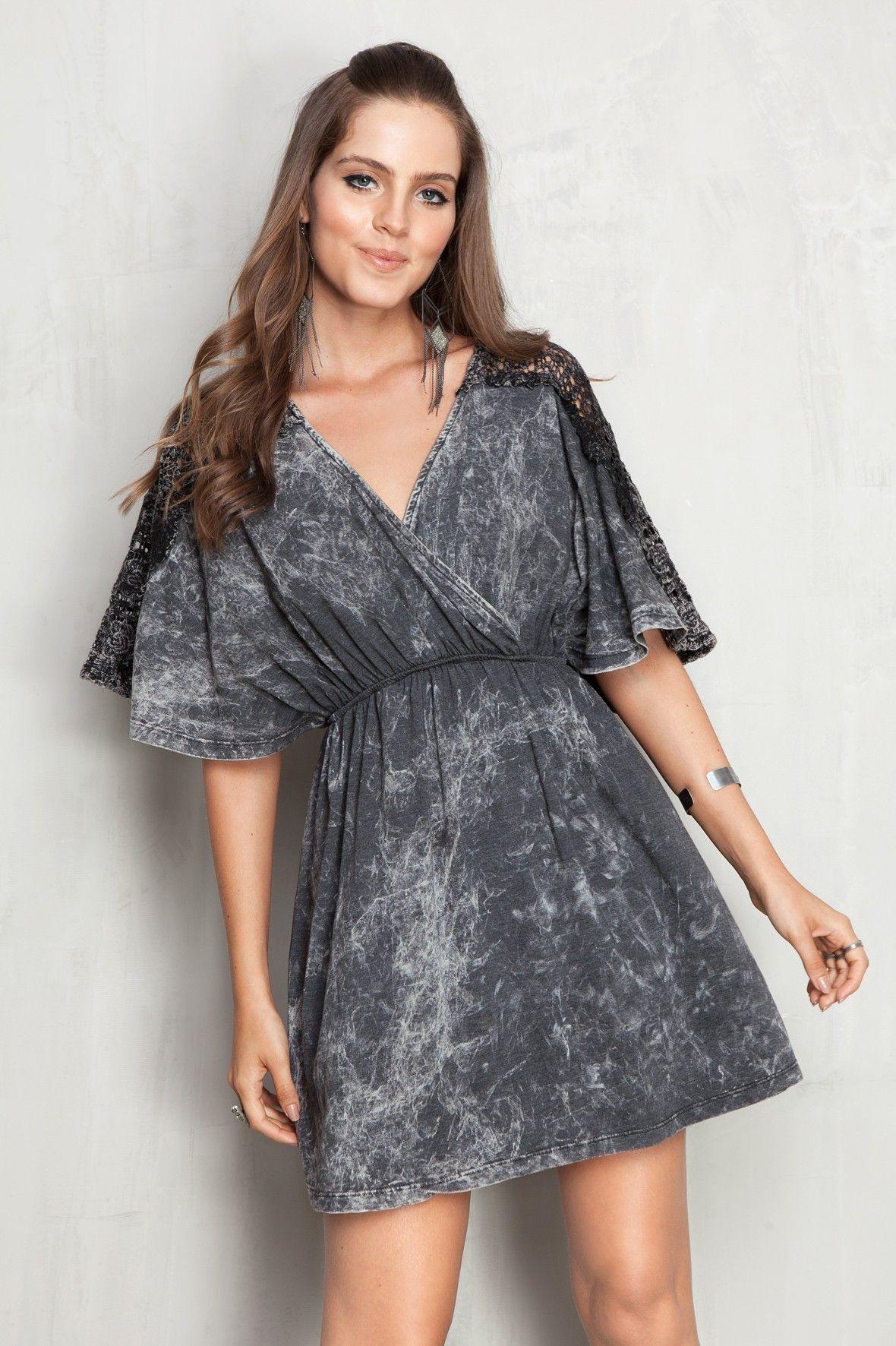Vestidos curtos da moda de malha e renda
