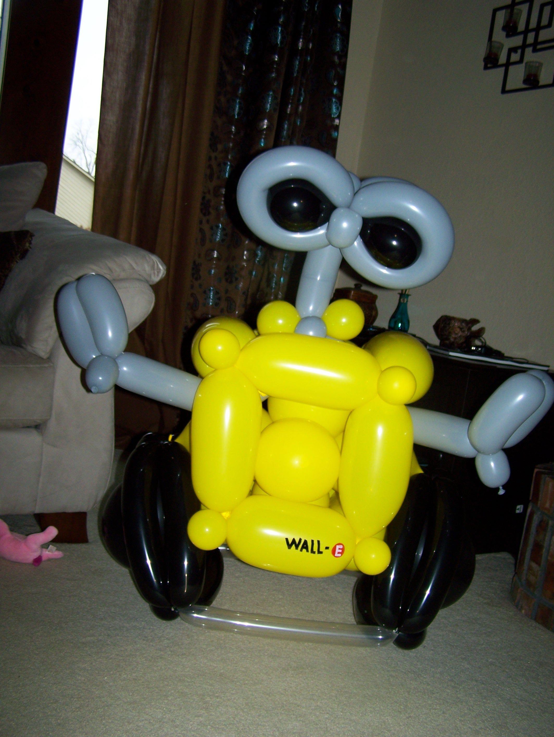 WALL-E ohmygosh | My next project | Pinterest | Robot, Carnival ...