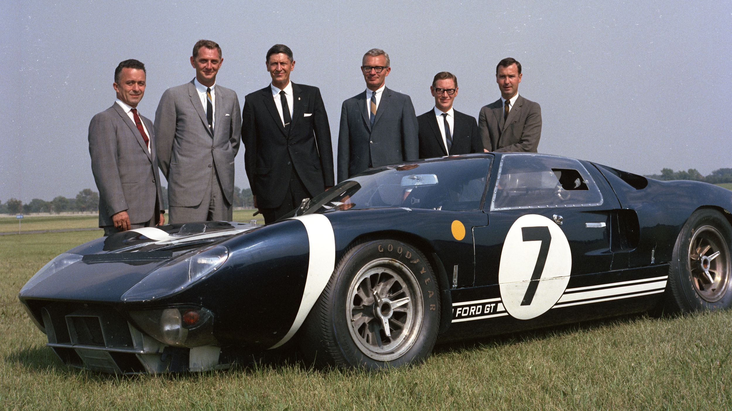 Ford Heritage 1965 Ford Gt Leo Beebe And Staff Racen