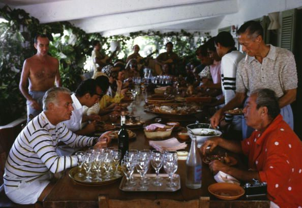 Acapulco Lunch (© Slim Aarons)