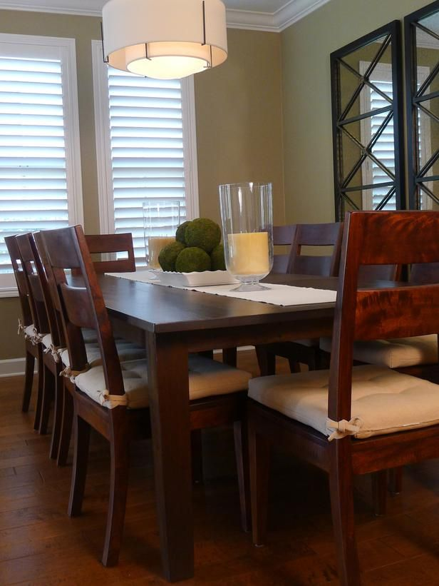 Simple and Elegant Dining Traditional Cozy