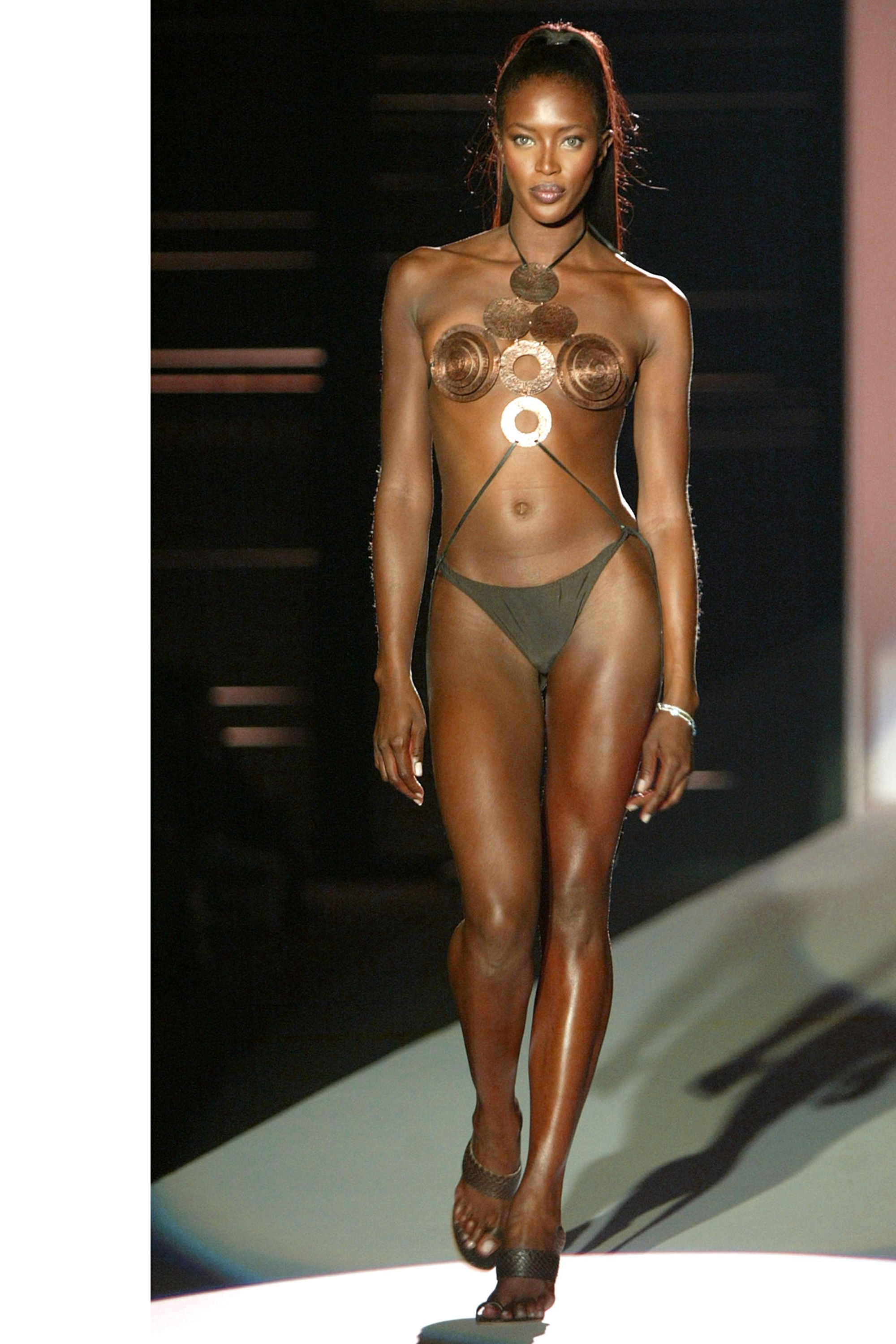 Catwalk Queen Naomi Campbell S Runway Evolution Naomi Campbell