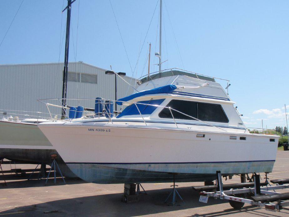 1976 Trojan 28 Sedan Bridge Power Boat For Sale - www ...