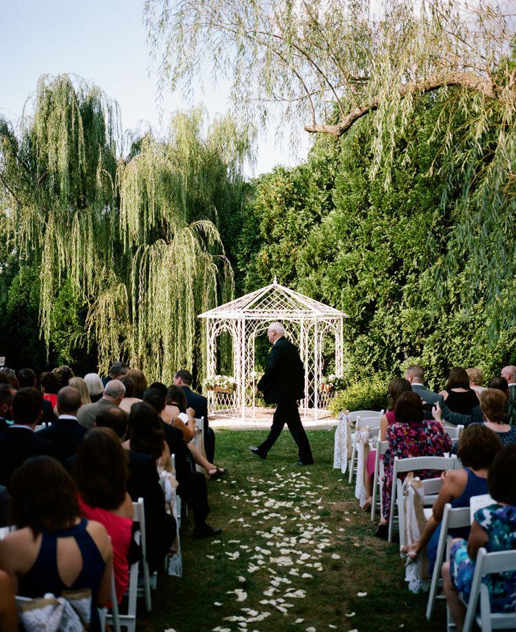 Kristin Dan Married At The Farmhouse In Wilmington De Delaware Wedding Venues Wedding Event Venues Delaware Wedding