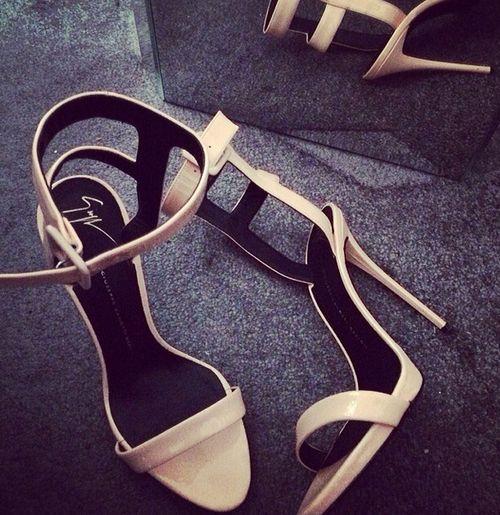 giuseppe zanotti sandals. #shoeporn