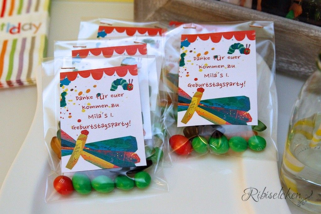 raupe nimmersatt party mit torte, cupcakes und cookies | raupe, Einladung