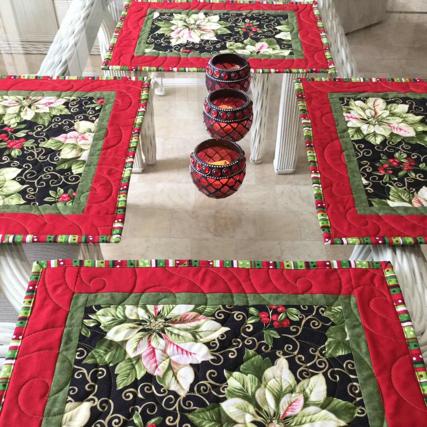 Christmas Placemats Poinsettia Mats Holiday Placemats Etsy Christmas Placemats Place Mats Quilted Placemats