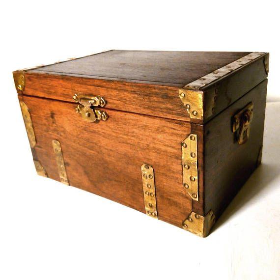 Vintage Wooden Chest Box Antique Brass Banding Corner Escutcheons Miniature Trunk Keepsake Desk Top Dressing Table Jewelry Accessories Wooden Chest Wooden Dressing Table Jewellery