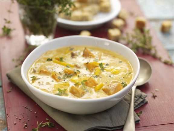 Suppe mit Mais und Butternut-Kürbis ist ein Rezept mit frischen Zutaten aus der Kategorie Gemüsesuppe. Probieren Sie dieses und weitere Rezepte von EAT SMARTER!