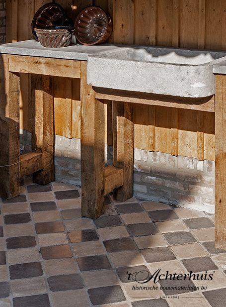 Bourgondische dallen buiten keuken vloeren floor tegels tiles oud old antiek antique - Tegel keuken oud ...