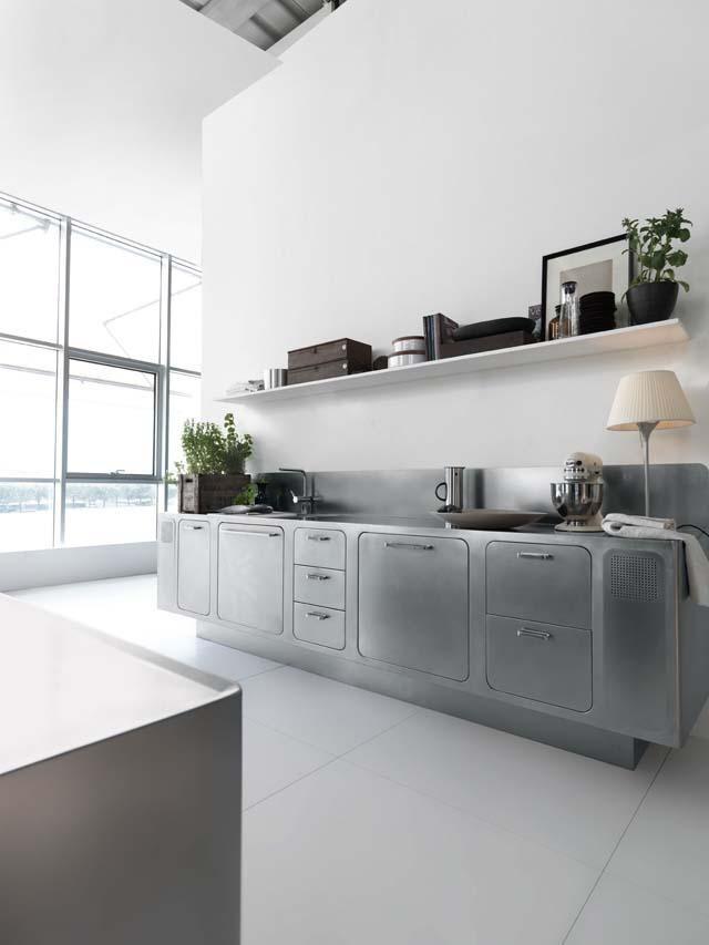 moderne Küche edelstahl arbeitsplatten fronten schubladen Abimis ...
