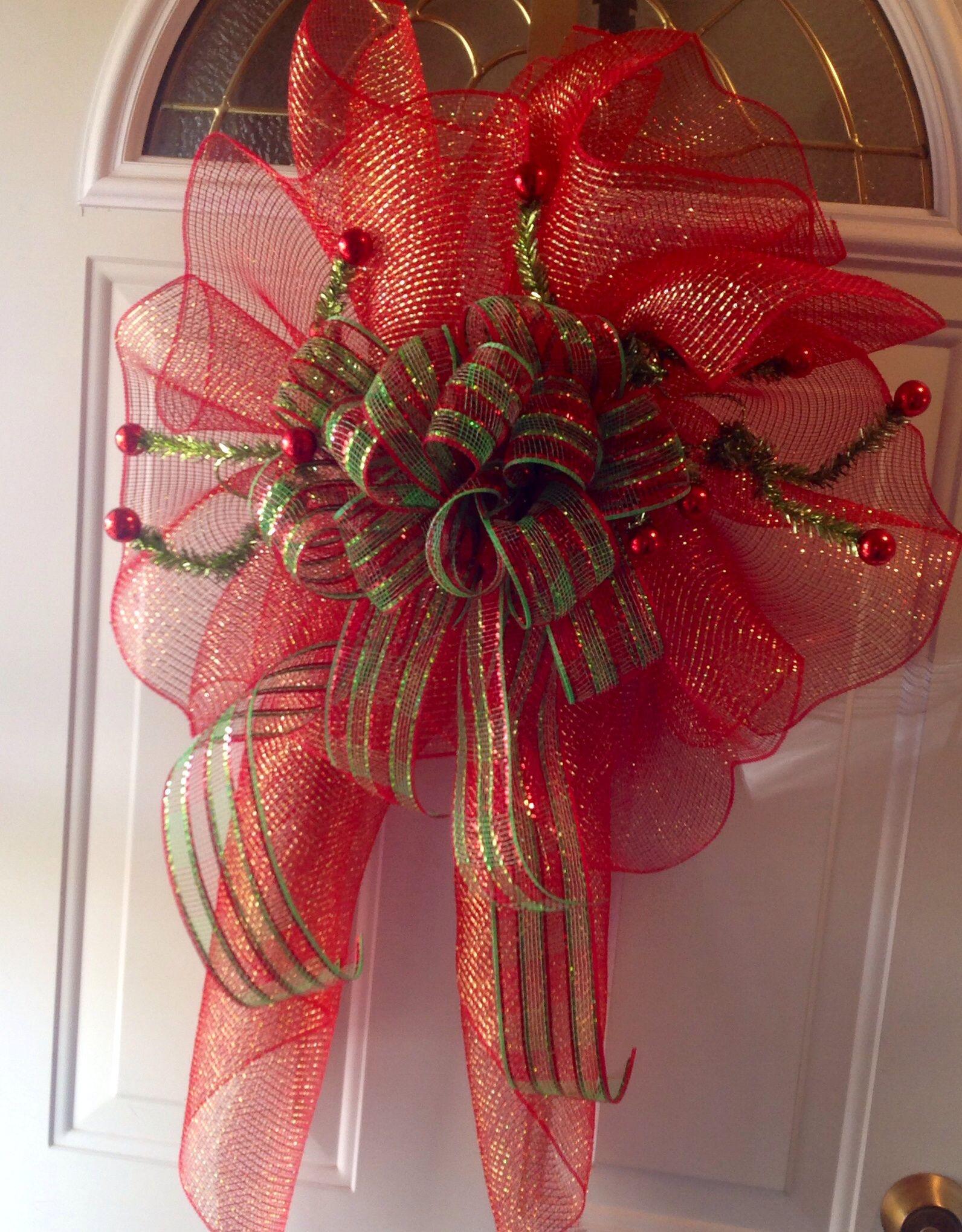 DIY Christmas deco mesh bow take your mesh gathering
